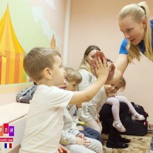 Занятия большим теннисом для детей в детском саду Киндерли в Москве