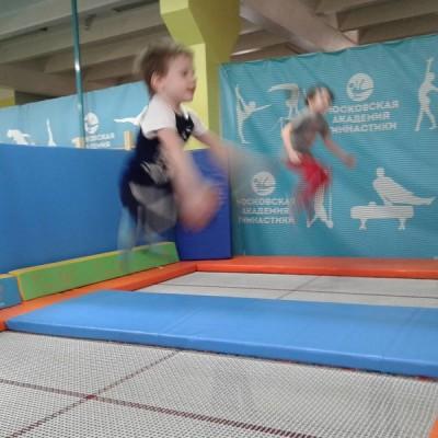 Гимнастика на воздушных полотнах, акробатика, гимнастика