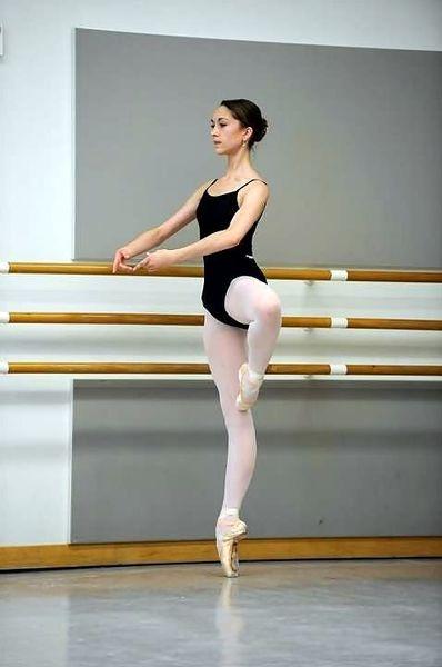 клипарты картинки с упражнениями в балете этому